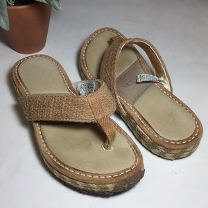 UGG Burlap Thong Style Sandals Size 6 READ